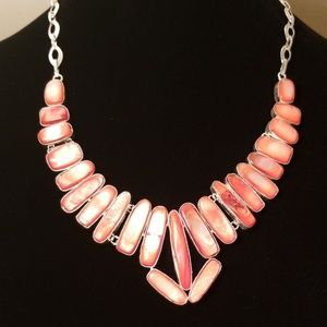 NWOT – Mother of Pearl Coral Gemstone Necklace